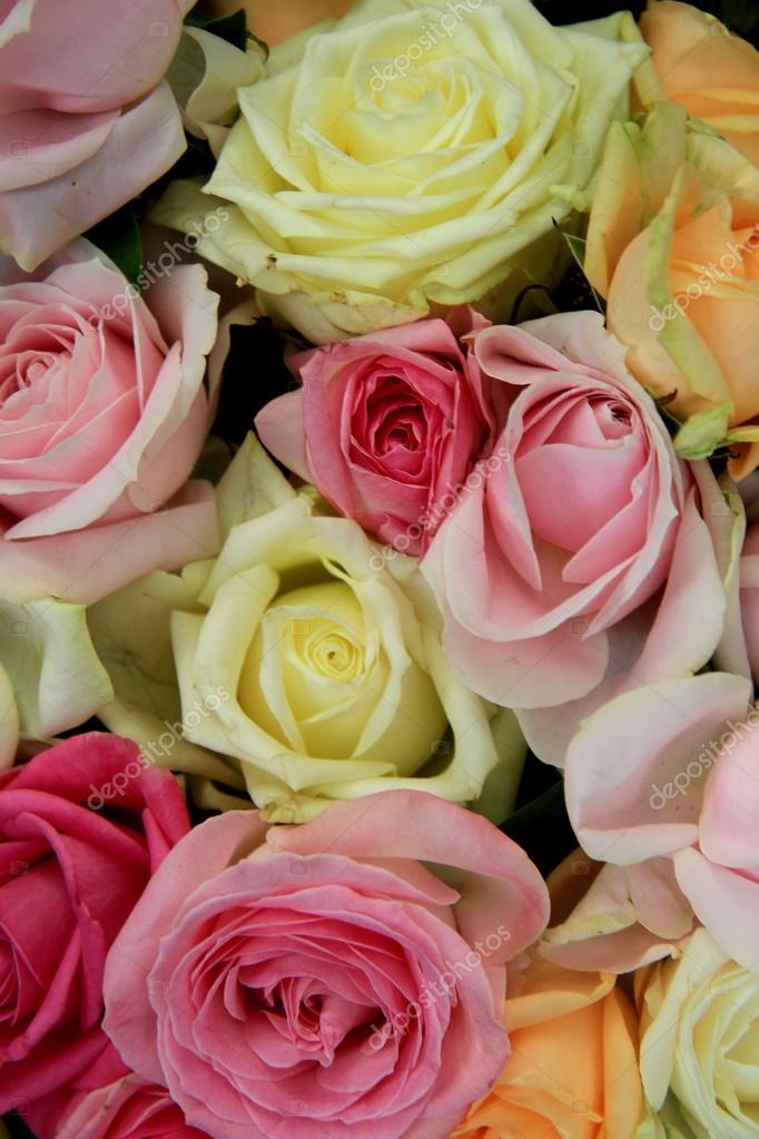 Pastell Hochzeitsstrauss Stockfoto C Portosabbia 77138551