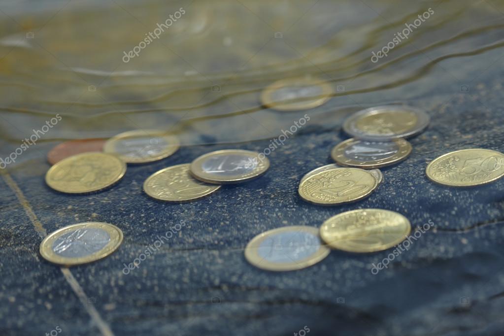 Münzen Unter Wasser Stockfoto Strelok 119301332