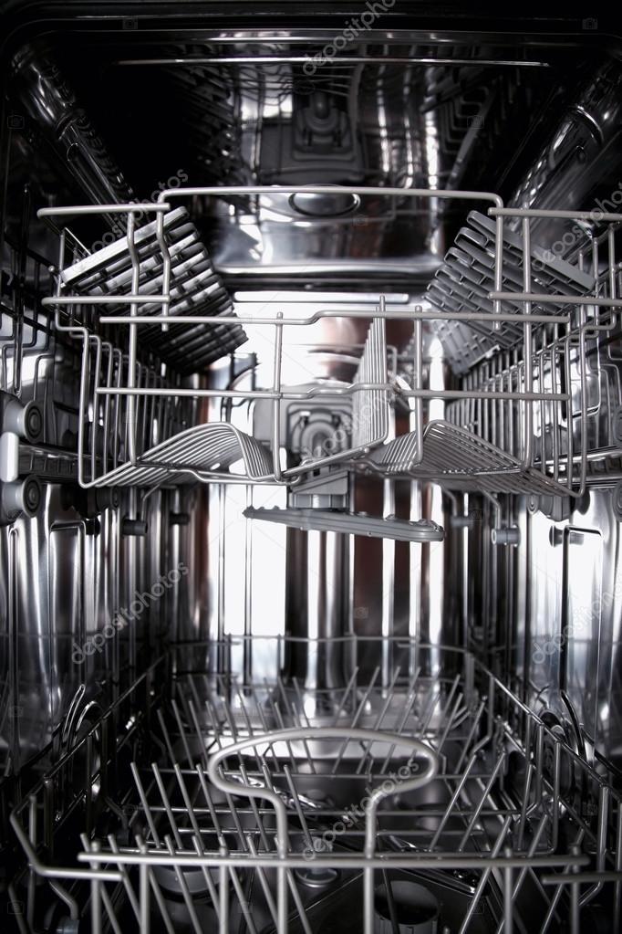 vue de l 39 int rieur d 39 un vide le lave vaisselle ouvert photographie vladacanon 92170504. Black Bedroom Furniture Sets. Home Design Ideas