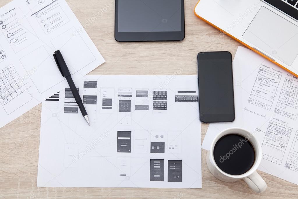 Arbeitsplatz-Entwickler von mobilen Anwendungen — Stockfoto ...