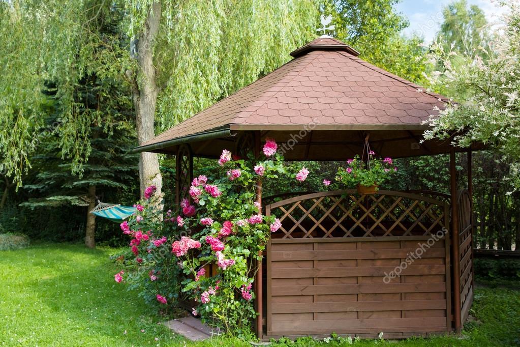 beautiful outdoor gazebo kiosque de jardin pictures. Black Bedroom Furniture Sets. Home Design Ideas