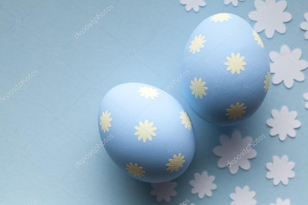 Zwei Blaue Eier Ostern Auf Blauem Hintergrund Stockfoto Digieye