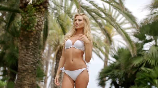 Bikini in video woman