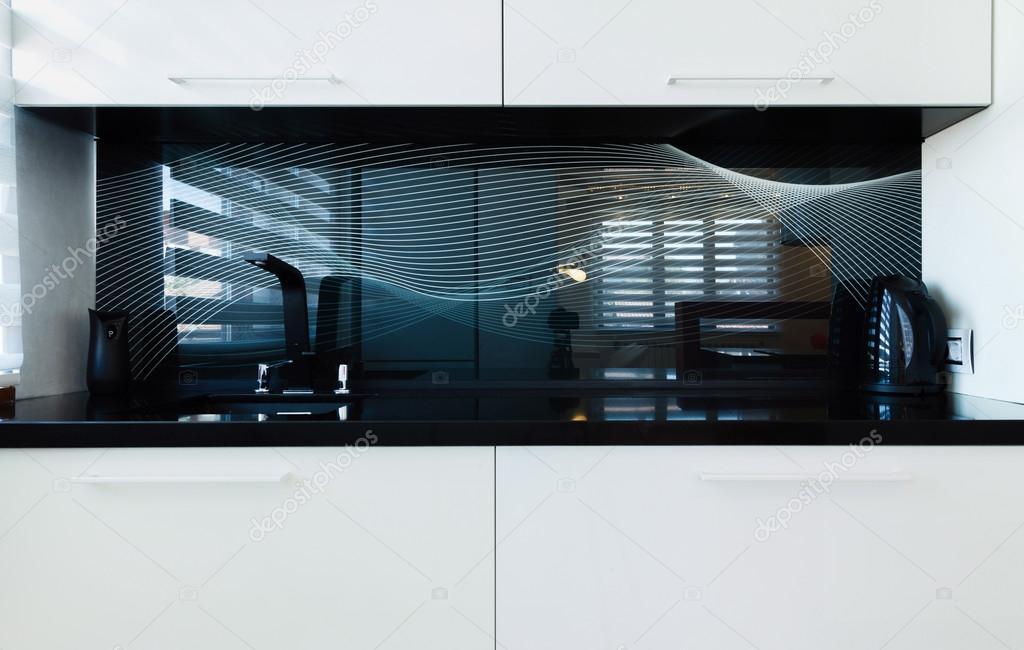 moderne Küche Design und weiße Wand — Stockfoto © Petkov #72234155