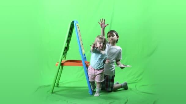 Šťastné děti baví a malování Prores, 4.2.2