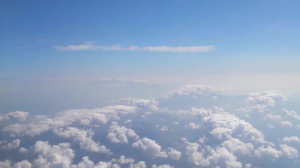 létání nad mraky