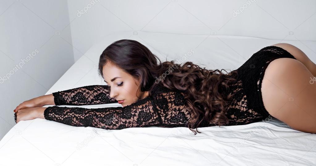 Сексуальные страсти ночь молодые трахаются видео эротика порно молодые тискаются