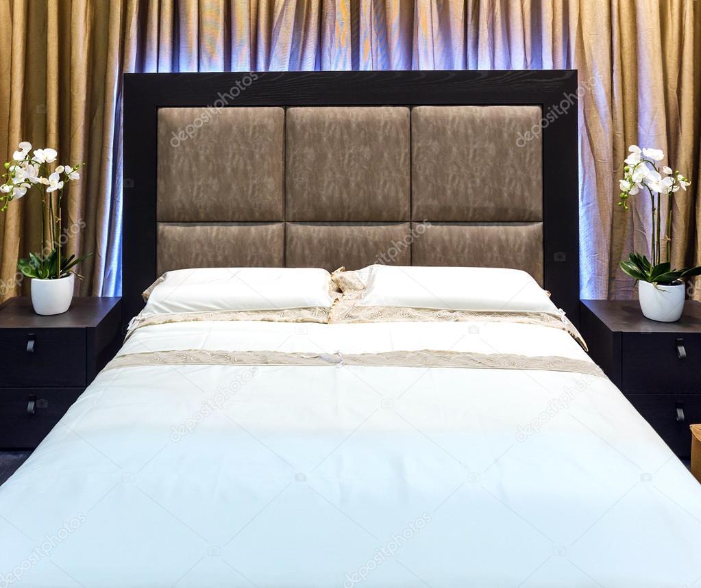 La casa e albergo camera da letto arredamento moderno — Foto Stock ...