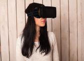 Žena na virtuální brýle