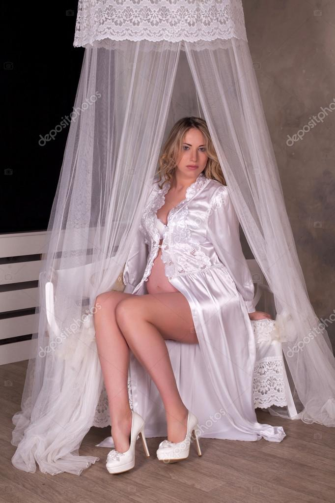 Фото женщин в халате