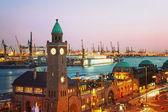 Fotografie Hamburger Hafen nach Sonnenuntergang, Deutschland