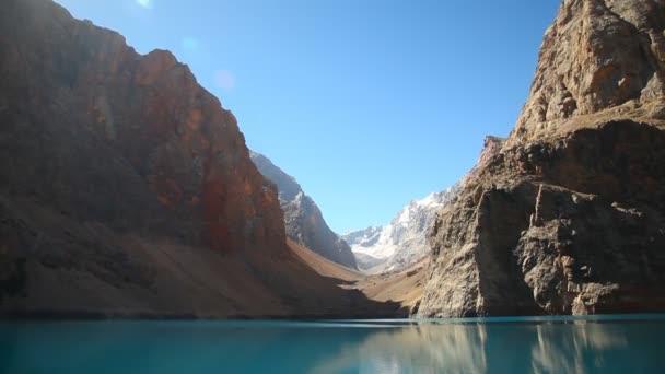 schöner see im fann-gebirge, tadschikistan