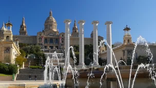 Pohled na Catalunya národního muzea umění. Barcelona, Španělsko. Zpomalený pohyb