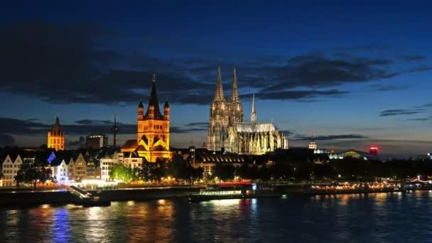 Zeitraffer von Köln in der Nacht, Deutschland