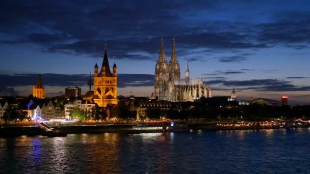 Dom zu Köln in der Nacht. Köln, Deutschland