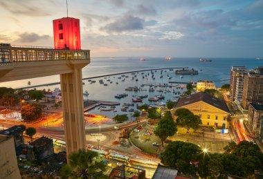 """Картина, постер, плакат, фотообои """"вид на закат города сальвадор в бахии, бразилия """", артикул 91801854"""