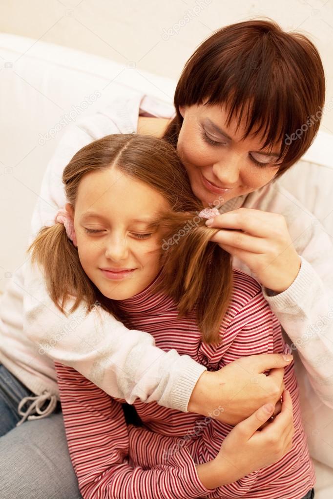 Ать и дочь лесбиянками