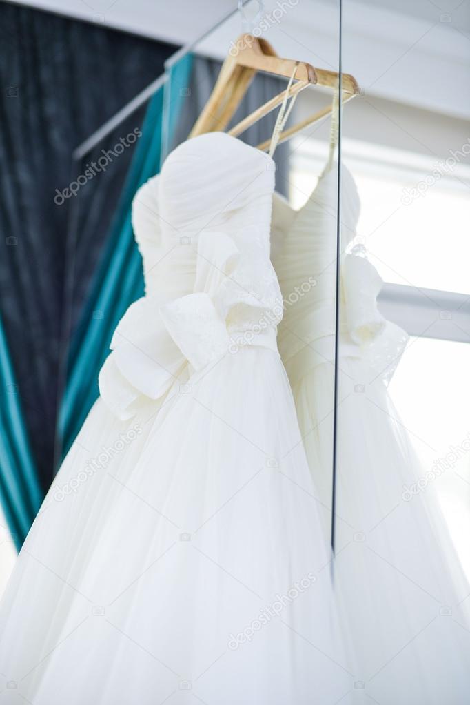 Liga debajo del vestido de novia