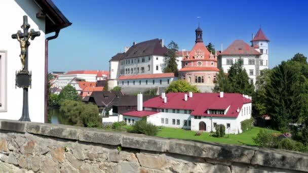 Jindřichův Hradec. Česká republika, krásný renesanční zámek, 16. století, pavilon rondel na kopci nedaleko řeky Nežárka