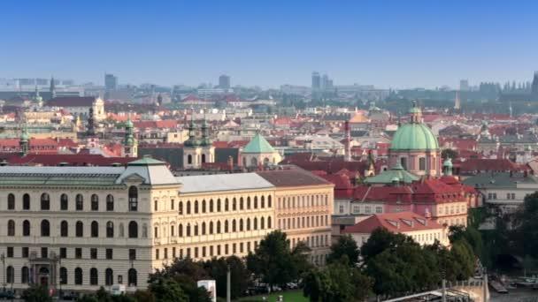 Pohled na staré střechy a mosty přes Vltavu. Praha. Česká republika