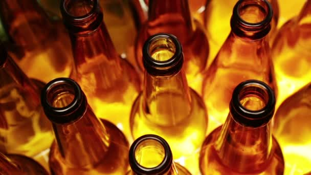 prázdné lahve, pohled shora