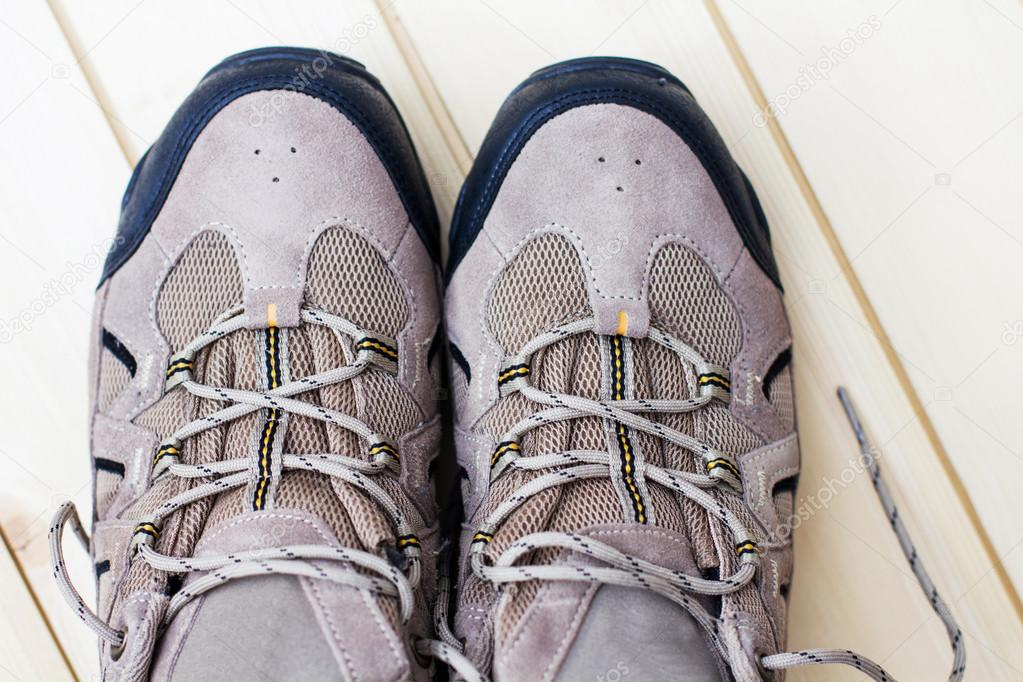 95e6db195b3 Ανδρικά παπούτσια, για υπαίθρια αθλήματα δραστηριότητα — Εικόνα από ...