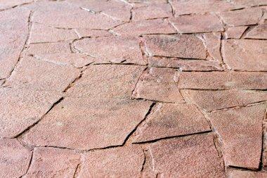 Patterned paving tiles