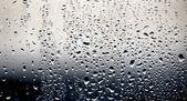Esőcseppek ablak üveg