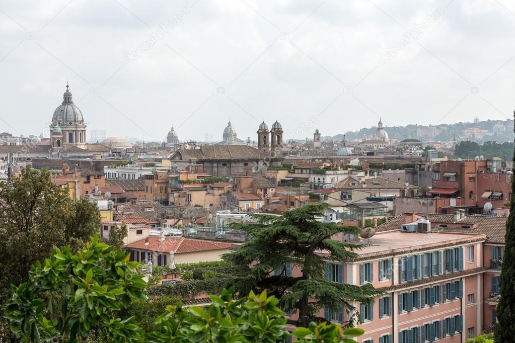 il panorama dei quartieri storici di Roma visto dalla terrazza del ...