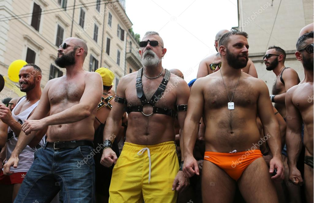Gay dating rome — pic 6