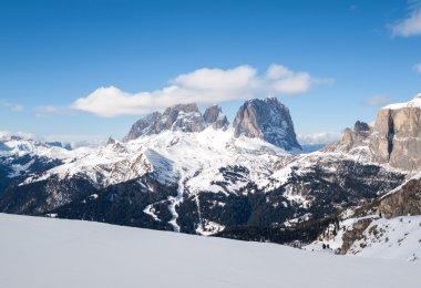 """Картина, постер, плакат, фотообои """"горнолыжный курорт в доломитовых альпах. с видом на группу селла в вал гардене. италия """", артикул 90750774"""