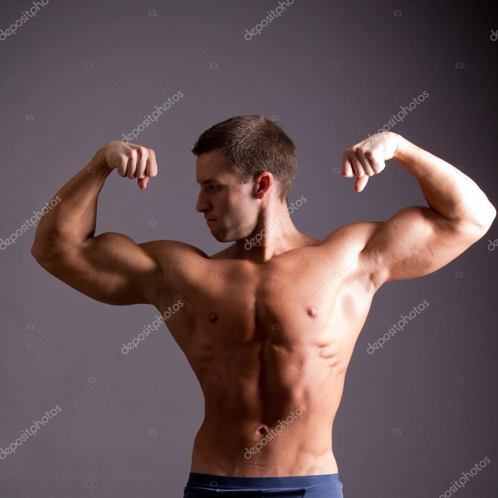 spogliarellisti gay maschio muscoloso
