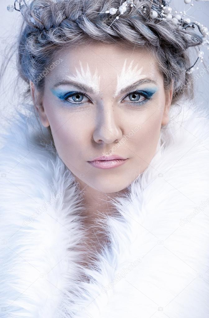 Zimowy Glamour Kobieta W Futra Zdjęcie Stockowe Luckybusiness