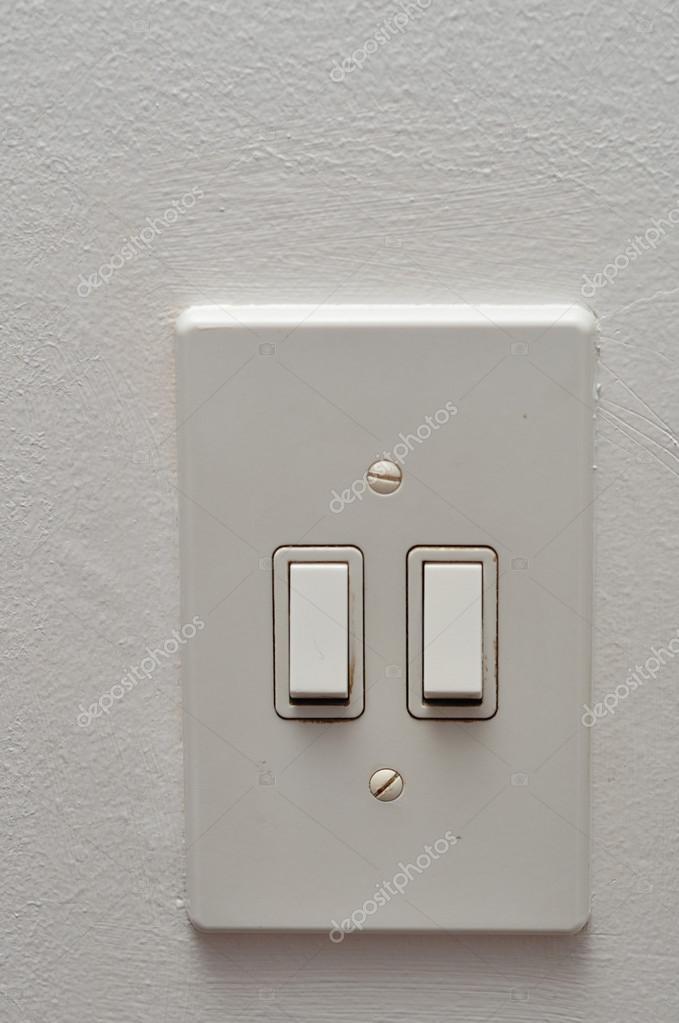elektrische Lichtschalter — Stockfoto © Marietjie #122452522