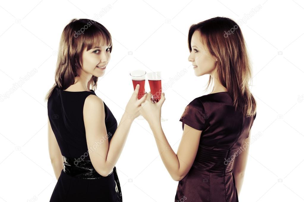 Dos Mujeres Y Un Vaso