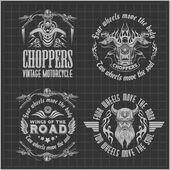 Vintage motorkerékpár címke, jelvény és design elemek a sötét háttér