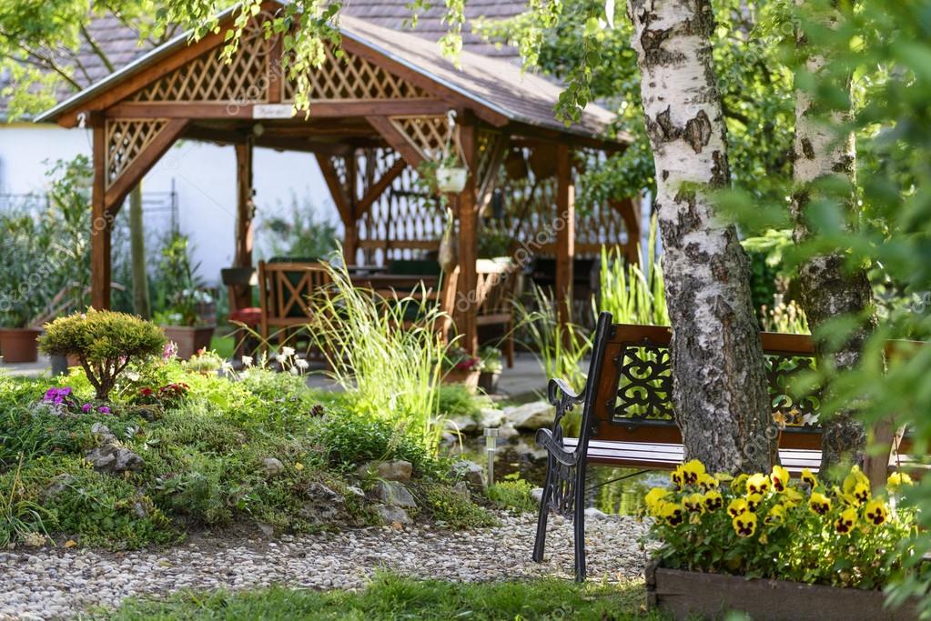 Tijd Voor Tuin : Dahlia s en canna s op tijd klaar voor open tuinen in mechelse