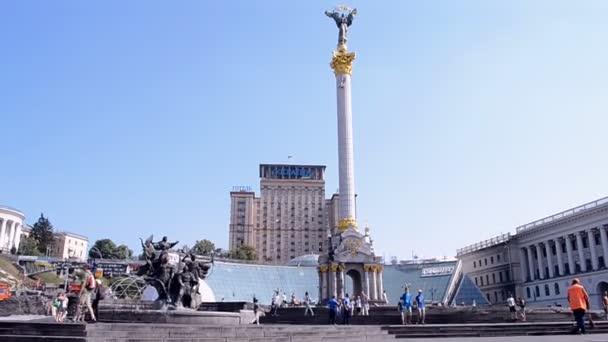 Holiday tree construction disassembling in Kiev, Ukraine.(48915)
