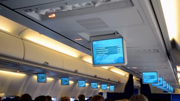 KLM (Koninklijke Nederlandse luchtvaartlijnen) vliegtuig interieur ...