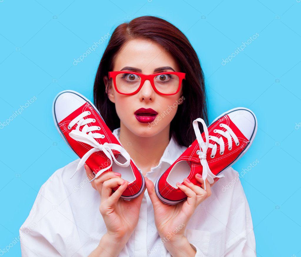 ための半靴と若い女性のポートレート\u2013 ストック画像