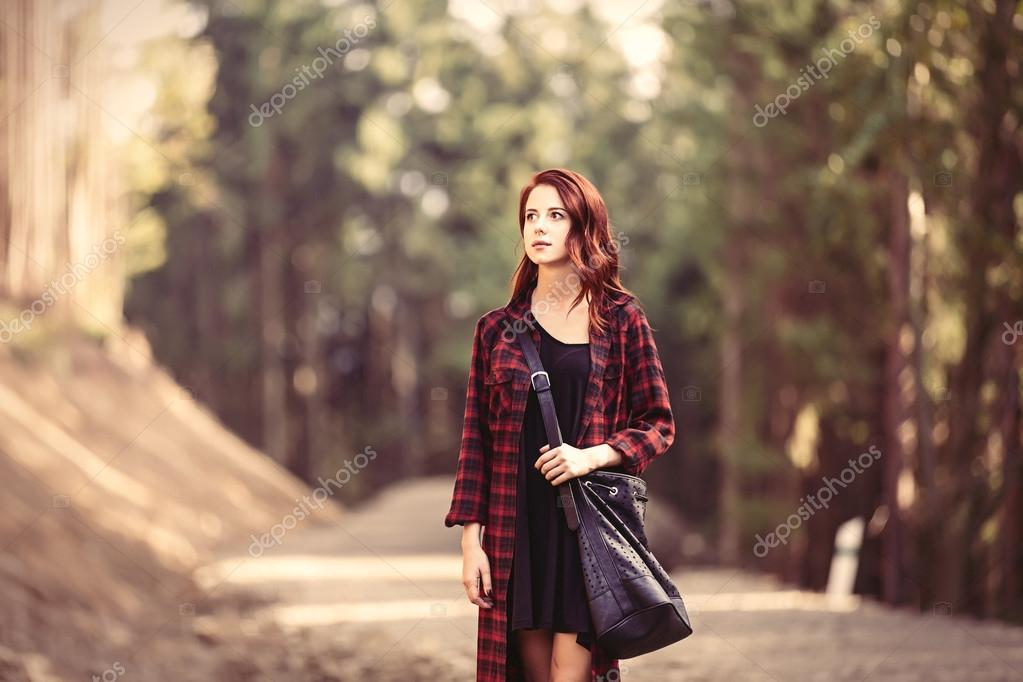 Retrato de una mujer pelirroja en ropa de tartán — Fotos de Stock ...
