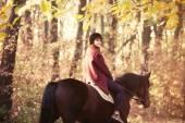 Fotografie Junge Frau und Pferd