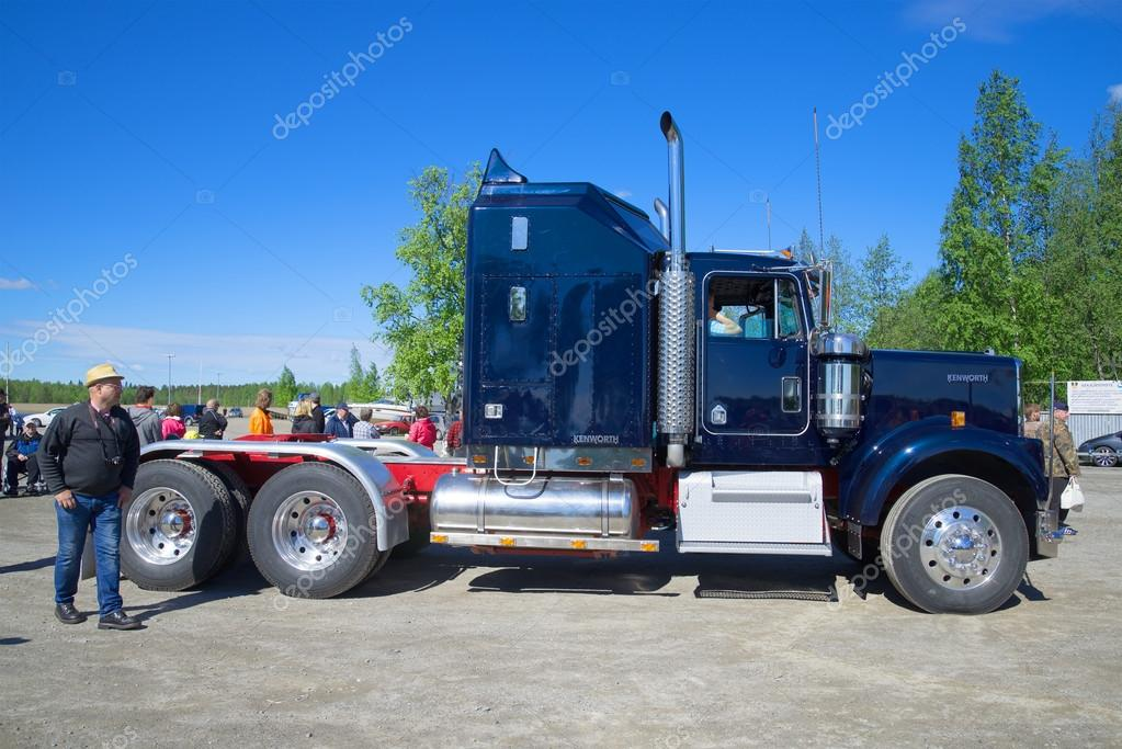American Classic Highway Truck Tractor Kenworth Side View The