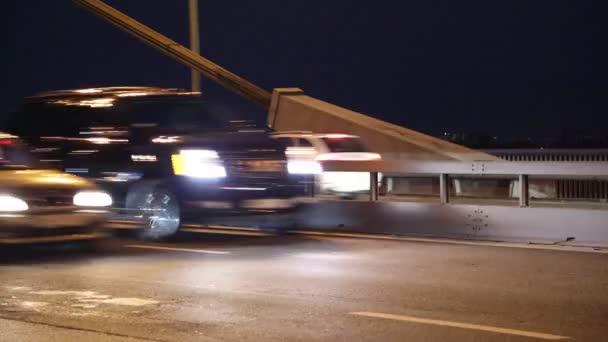 silniční provoz v noci