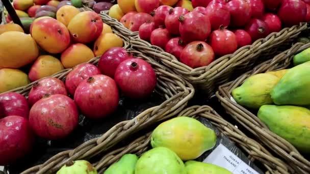 Granátová jablka zelená guava, červená