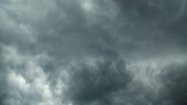 vihar felhők
