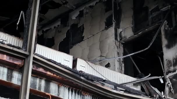 Leégett épületben szakszervezet