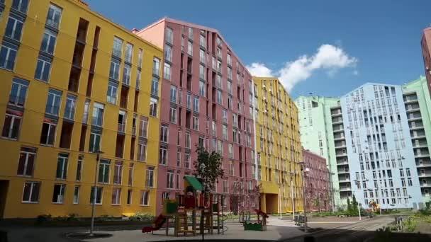 Farbige Neubauten