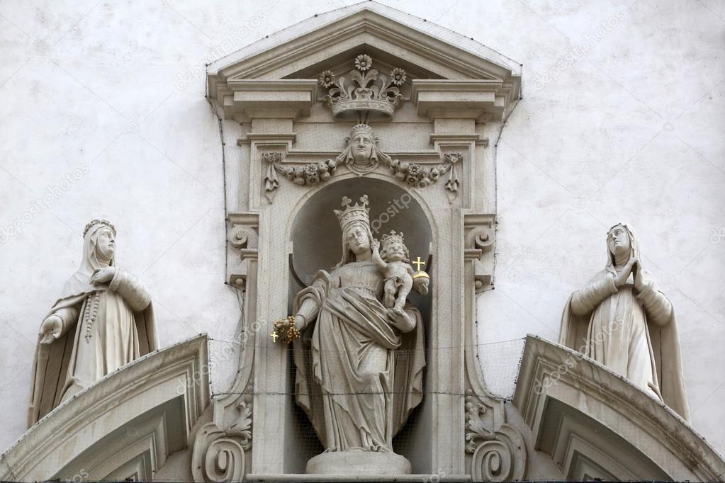 赤ん坊のイエスと聖母マリア、シ...