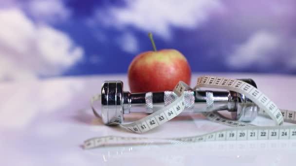 A következő reptér környékén: apple súlyzó mérőszalag